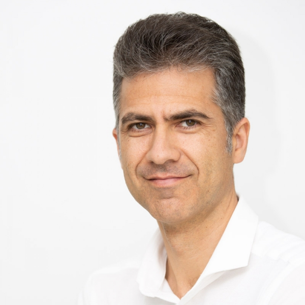 Dr. med.univ. Valentin Hirzoiu